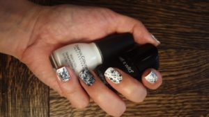 Marble Effect nail art 1