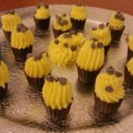 chocolate-baskets-filled-with-creme-patissiere
